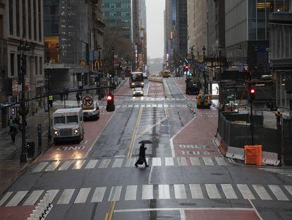 La calle 42 de Manhattan, vacía en hora punta.