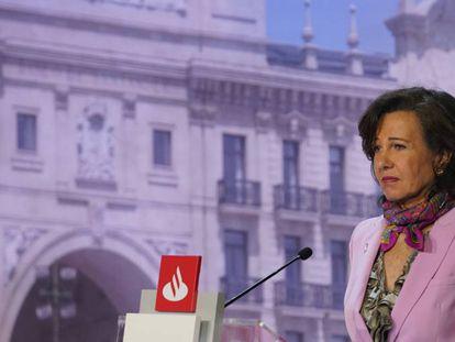 La presidenta de Banco Santander, Ana Botín, en la junta general de accionistas 2019.