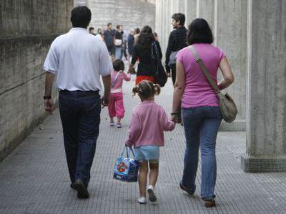 Las familias costarricenses tienen de promedio 1,7 hijos