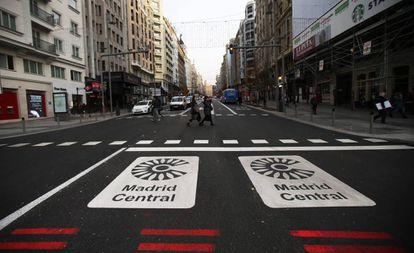 Señales de Madrid Central, que van a ser renombradas Distrito Centro por el Ayuntamiento de Martínez-Almeida.