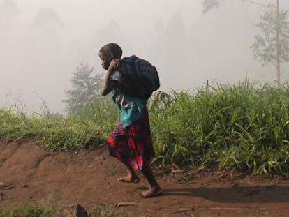 Hay 264 millones de menores sin escolarizar en el mundo y dos tercios viven en países de abundantes recursos naturales. Su explotación genera conflictos que afectan a la educación. Un informe lo analiza