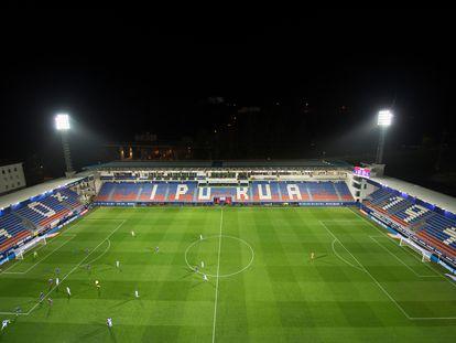 El estadio de Ipurua, vacío durante el Eibar-Real Sociedad de hace una semana.