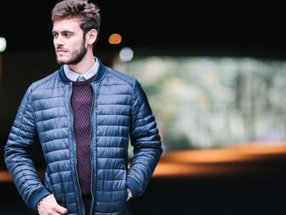 Distintos modelos de chaquetas multifuncionales, perfectas tanto para un look casual como para ir a la montaña. Edward Bhertelot / GETTY IMAGES.