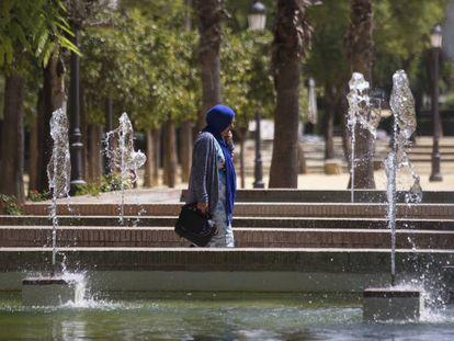 Una mujer con 'hiyab', en Sevilla.