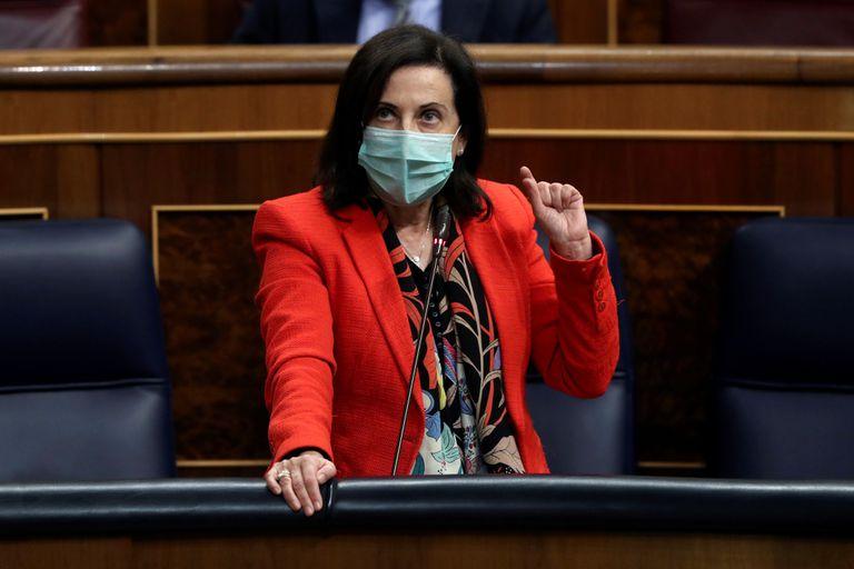 La ministra de Defensa, Margarita Robles, este miércoles durante el pleno del Congreso.