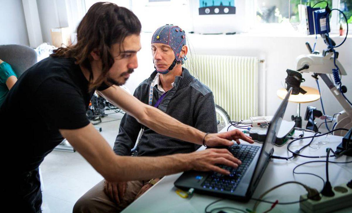 Curar el cerebro, el próximo objetivo de las nuevas tecnologías    Transformación Digital   Tecnología   EL PAÍS
