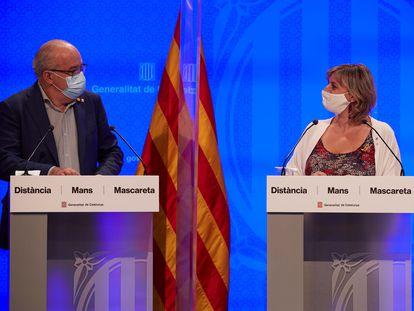 Los 'consellers' de Educación, Josep Bargalló, y de Salud, Alba Vergés, durante la rueda de prensa.