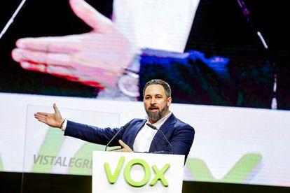 El presidente de VOX, Santiago Abascal, durante su intervención en la asamblea del partido en Vistalegre el 8 de marzo.