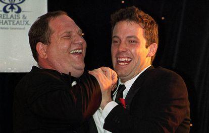 El productor Harvey Weinstein y Ben Affleck, en mayo de 1999.