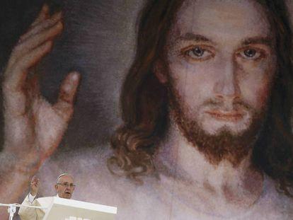 El papa Francisco se dirige a los fieles en el parque Blonia de Cracovia, Polonia, durante el tercer día de la Jornada Mundial de la Juventud, el jueves 28 de julio.
