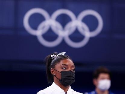 Simone Biles, en el Centro de Gimnasia Ariake en Tokio, durante la final por equipo.