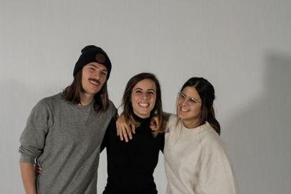 Damian Augustyniak, Marta Llaquet y Lizzie Sabin, fundadores de Saye.