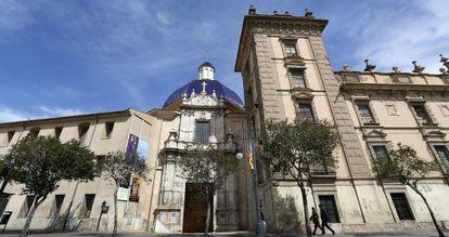 Fachada principal del museo de Bellas Artes San Pío V de Valencia.