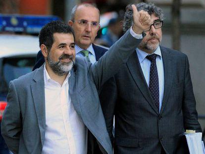 Jordi Sànchez con su abogado, Jordi Pina, en una imagen de archivo.