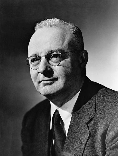 Thomas Midgley, el ingeniero estadounidense inventor de la gasolina con plomo.