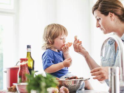 El consumo de este alimento aporta a nuestro organismo proteínas de alto valor biológico y grasas de buena calidad, además de vitaminas, potasio, fósforo, yodo, selenio y sales naturales.