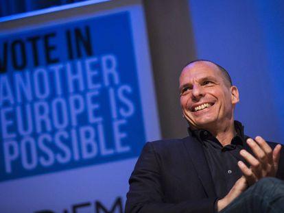 Yanis Varoufakis en el acto de la iniciativa 'Otra Europa es posible', este sábado en Londres.