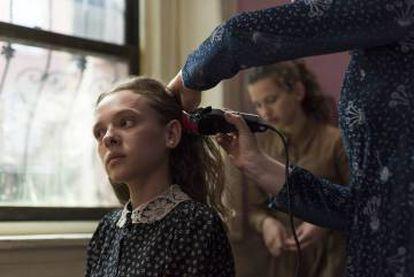 En Satmar, casarse supone cortarse el pelo y lucir a partir de ese momento una peluca. El dogma exige que la mujer no pueda presumir.