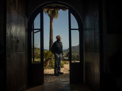 El escritor John le Carré, en un hotel en Deià (Mallorca), en agosto de 2019.