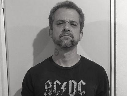 El poeta Ángel Ortuño