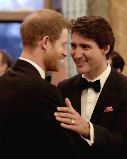 Enrique de Inglaterra, con Justin Trudeau en 2018.