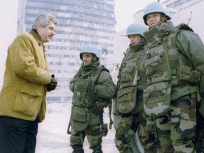Pasqual Maragall visita Sarajevo en enero de 1994.