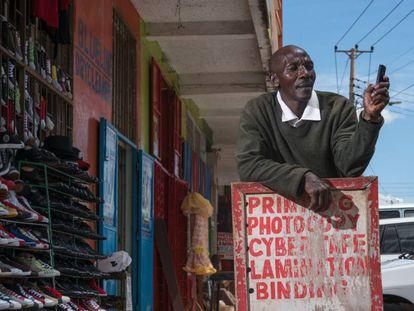 El 40% de la población adulta en el África subsahariana tiene una cuenta de dinero móvil.