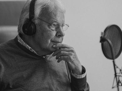 El expresidente del Gobierno Felipe González, durante la grabación de su podcast 'Sintonías infrecuentes'.