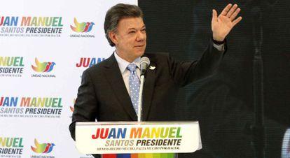 Santos en un acto de campaña en Bogotá este lunes.