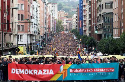 Manifestación en Bilbao en apoyo al referéndum catalán