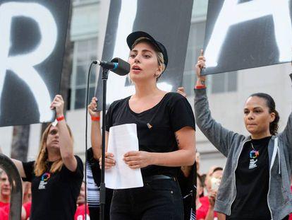 Lady Gaga, durante la vigilia dedicada a las víctimas del tiroteo en Orlando.