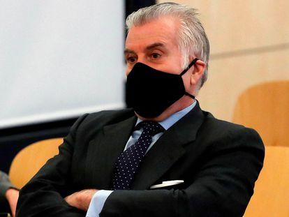 El extesorero del PP, Luis Bárcenas, en el inicio del juicio en la Audiencia Nacional, en Madrid, el pasado 8 de febrero.