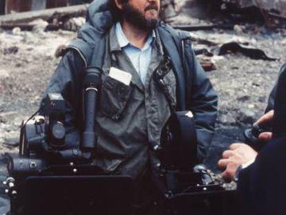 Stanley Kubrick, durante el rodaje de 'La chaqueta metálica' en 1986.