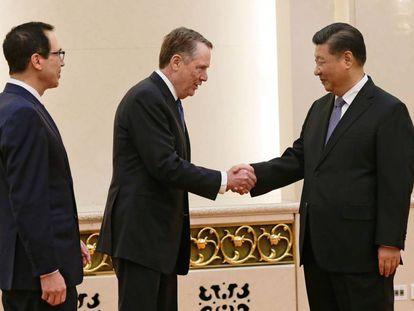 El presidente chino, Xi Jinping, recibe a los altos cargos de la delegación estadounidense.