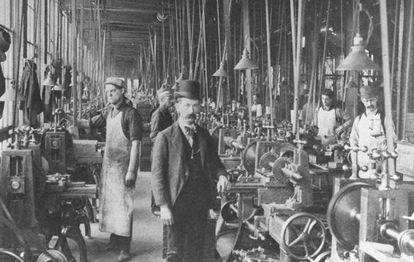 Interior de una planta hacia 1900