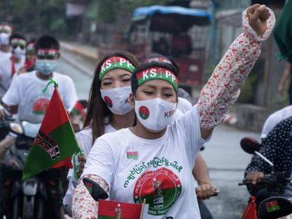 En campaña a favor de un partido Kachin en Myitchina-Kachin State-Myanmar