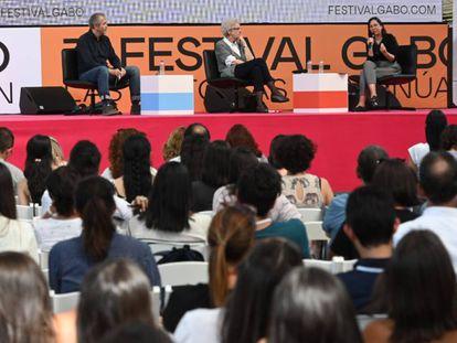 """Gumersindo Lafuente, Soledad Gallego-Díaz y Martha Ortíz durante la charla """"¿Hacia dónde van los medios?"""""""
