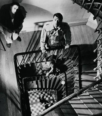 Robert Mitchum, en un fotograma de 'Intriga extranjera', de Sheldon Reynolds.