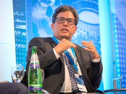 El ahora exministro de Hacienda y Crédito Público de Colombia, Alberto Carrasquilla, en una conferencia en 2019.