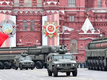 Misiles balísticos intercontinentales, en el ensayo general de un desfile militar, el pasado mayo en la Plaza Roja de Moscú.