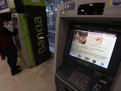 Denuncia de desaparición en un cajero de la Terminal 4 del aeropuerto de Barajas (Madrid).