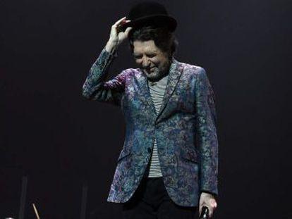 El cantante quiere continuar cuando su salud se lo permita. En el hospital tiene papel y pluma y está escribiendo canciones