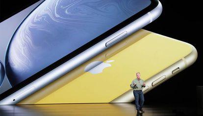 El vicepresidente de Apple, Phil Schiler, durante la presentación del iPhone XR, cuyas ventas parecen ser inferiores a lo esperado