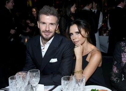 David y Victoria Beckham (fotografiados en 2018) han sobrevivido a crisis en su pareja y son hoy la gran superpareja de Inglaterra (junto a Enrique de Gales y Meghan Markle) y forman, además de una familia, un lucrativo negocio.