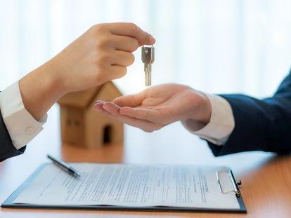 Hasta agosto, se han realizado 1.094 permutas de viviendas en España, según el INE.