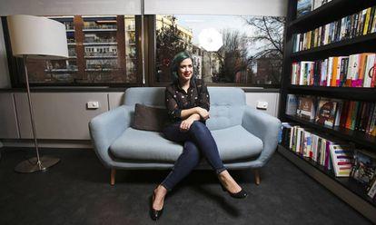 Elísabet Benavent, en la sede de Penguin en Madrid, en 2019.