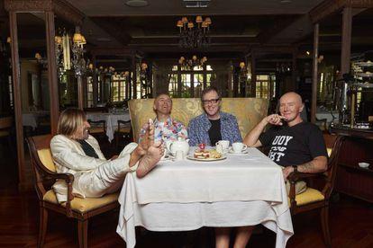 Iggy Pop, Karl Hyde, Rick Smith e Irvine Welsh, durante su charla en Miami.