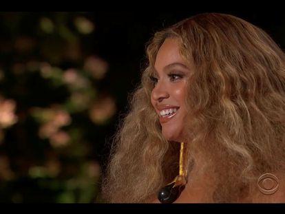 """Beyonce gana el Grammy a la Mejor Interpretación de R&B por """"Black Parade"""""""