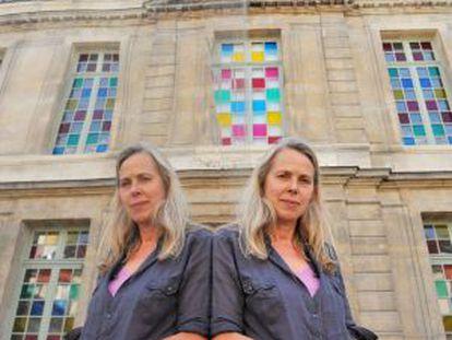 La exdirectora del Museo Picasso de París, Anne Baldassari, delante del edificio.