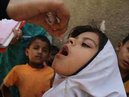 Campaña de vacunación de polio en Karachi, Pakistán, el pasado mes de abril.